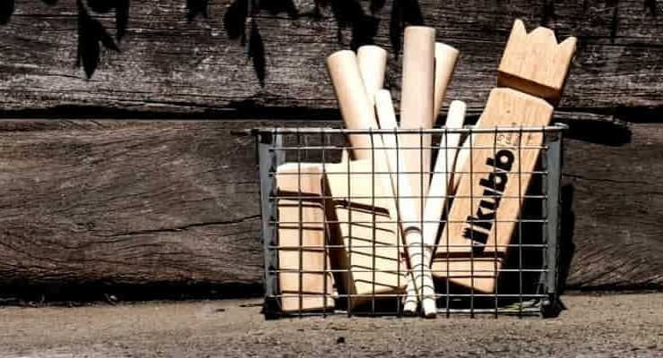How to play Kubb game